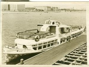 Прогулочных судов на москве реке